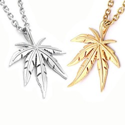Necklace with hemp leaf pendant