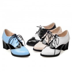 Vintage brogue shoes - pointed toe - lace-up - with thick heels