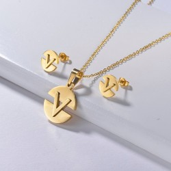 Necklace & earrings - gold jewellery set - with V-letter