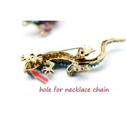 Fashionable brooch - vintage crystal lizard