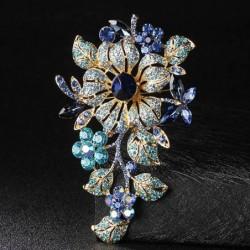 Elegant brooch with big crystal flowers