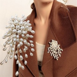 Branch with oval pearls - fashionable brooch