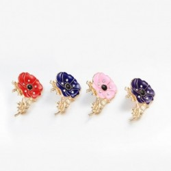 Small enamel flower with crystals - vintage brooch