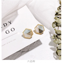 Geometric acrylic small stud earrings