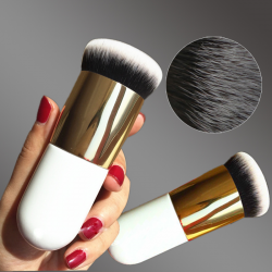 Thick flat foundation brush