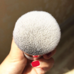 Thick flat foundation brush