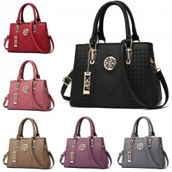 Elegant leather shoulder bag - handbag